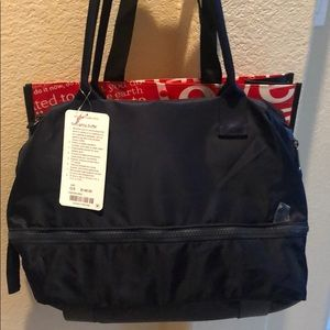 Lululemon Go Lightly Duffel